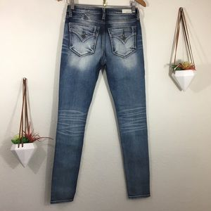 NWT Miss Me Jeans standard skinny faded jeans